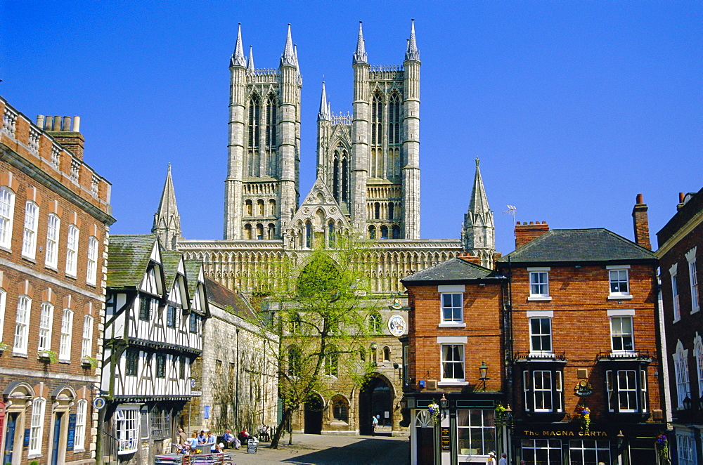 Lincoln Cathedral, Lincoln, England, UK *** Local Caption ***