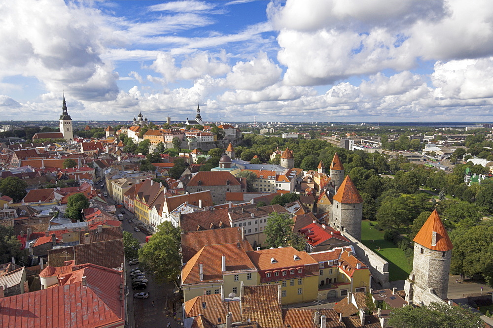 Medieval town walls, defence towers, rooftops of the Old Town, UNESCO World Heritage Site, and Toompea Hill, Tallinn, Estonia, Baltic States, Europe - 698-2180