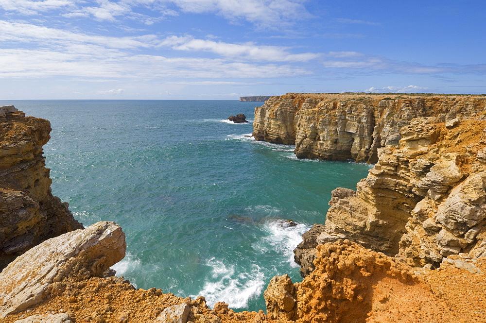 Atlantic Ocean and cliffs on the Cape St. Vincent peninsula, Sagres, Algarve, Portugal, Europe