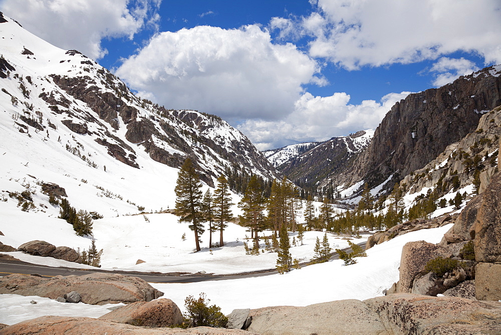 Sonora Pass, 9624 ft, on State Route 108, the second highest highway over the Sierras, Sierra Nevada mountains, California, United States of America, North America