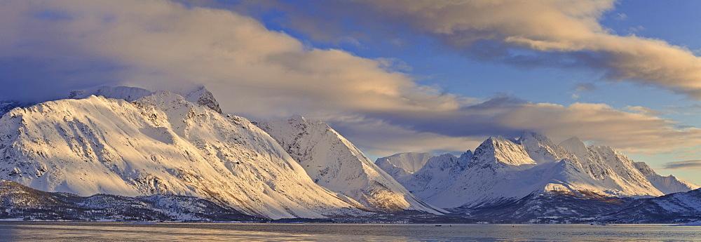 Looking across Ullsfjord, towards the Southern Lyngen Alps, Troms, Norway, Scandinavia, Europe