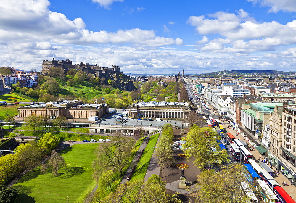 Edinburgh city skyline with the castle and Princes Street, Edinburgh, Lothian, Scotland, United Kingdom, Europe