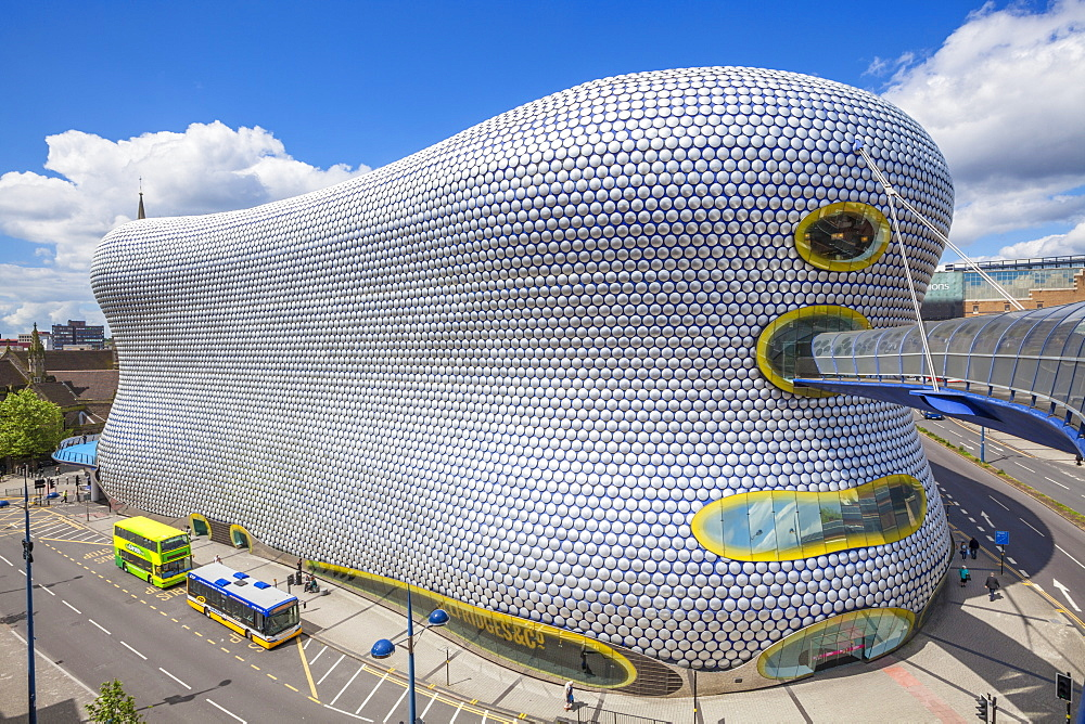 Selfridges department store with buses outside, Birmingham Bull Ring, Birmingham, West Midlands, England, United Kingdom, Europe