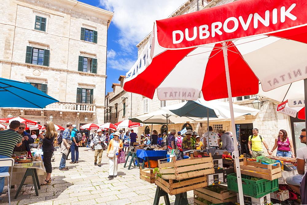 Open market in Gundulic Square, Dubrovnik Old Town, Dalmatian Coast, Dubrovnik, Croatia, EU, Europe