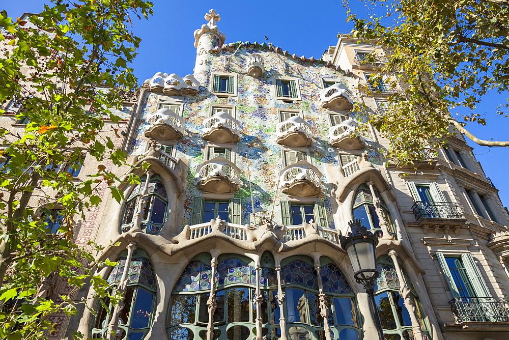 Casa Batllo, a modernist building by Antoni Gaudi, UNESCO World Heritage Site, on Passeig de Gracia, Barcelona, Catalonia (Catalunya), Spain, Europe