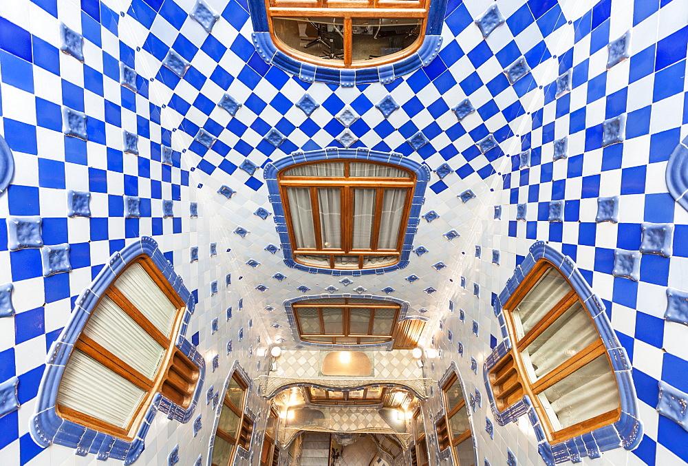 Inside atrium of Casa Batllo, a modernist building by Antoni Gaudi, UNESCO World Heritage Site, Passeig de Gracia, Barcelona, Catalonia (Catalunya), Spain, Europe