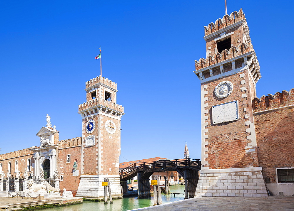 Porta Magna at the Venetian Arsenal (Arsenale di Venezia), a Byzantine shipyard and armoury, Venice, UNESCO World Heritage Site, Veneto, Italy, Europe