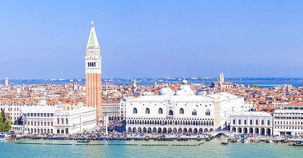 Panorama, Campanile tower, Palazzo Ducale (Doges Palace), Bacino di San Marco (St. Marks Basin), Venice, UNESCO World Heritage Site, Veneto, Italy, Europe