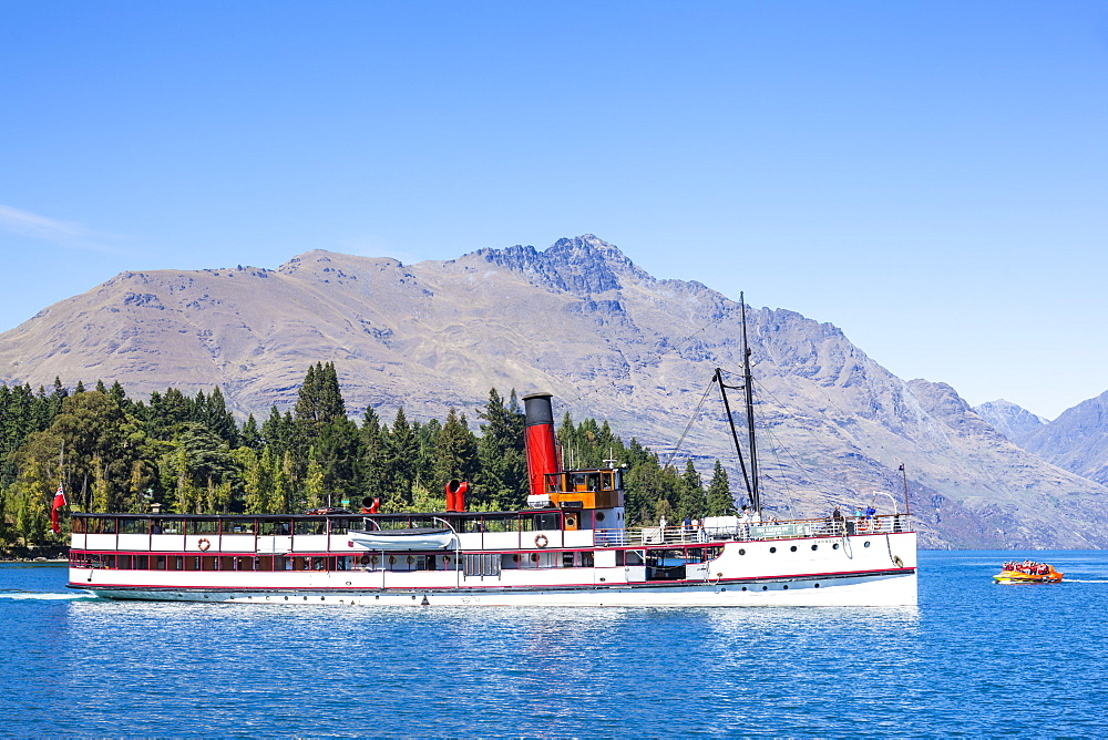 TSS Earnslaw Cruise Steamship and Cecil Peak on Lake Wakatipu, Queenstown, Otago, South Island, New Zealand, Pacific - 698-3340