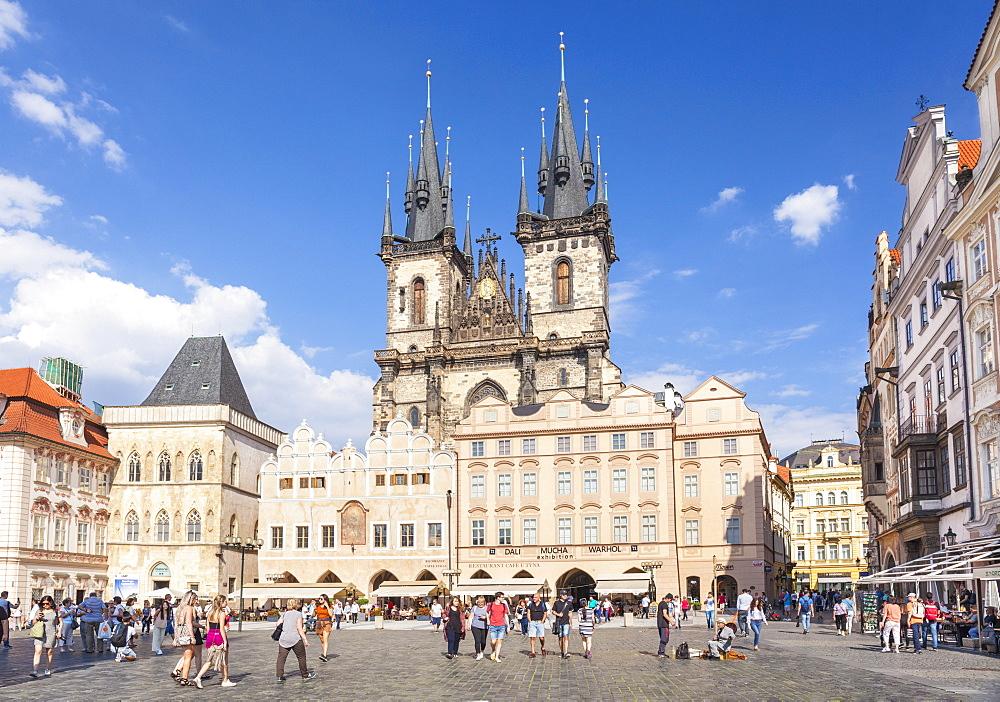 The Church of Our Lady Before Tyn in the busy Old Town Square, Staroměstské náměstí, Prague, Czech Republic, EU, Europe