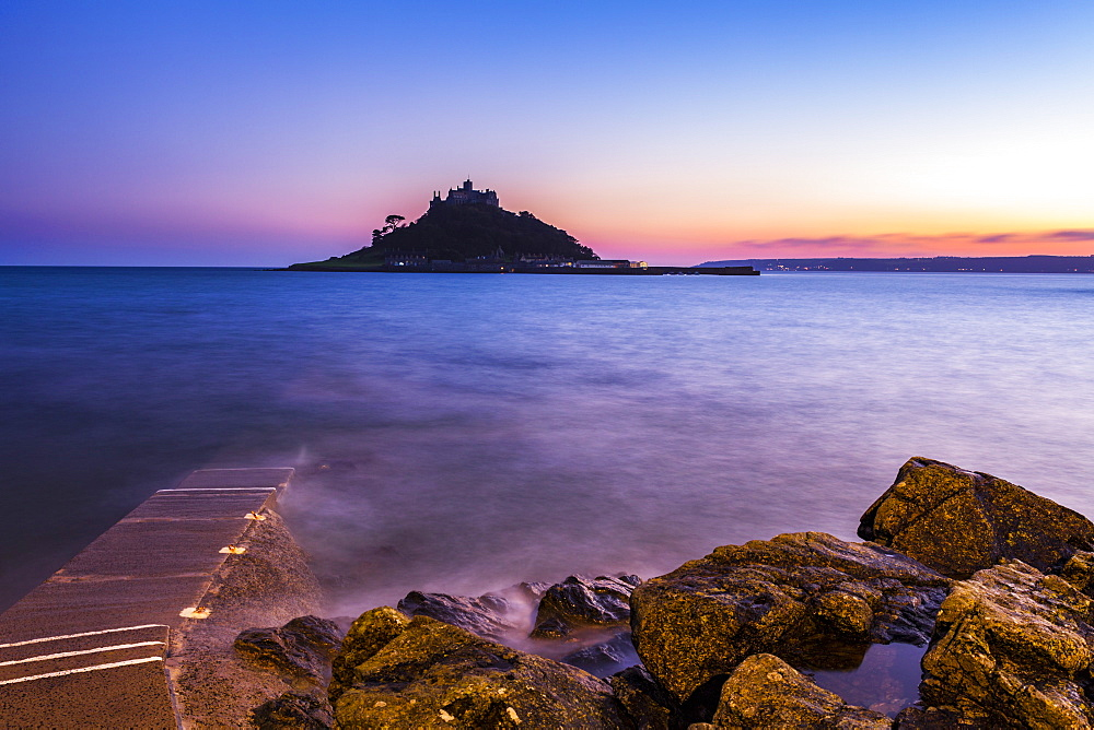 Cornwall St Michael's Mount Castle at sunset, Mount's bay Marazion Cornwall England UK GB Europe