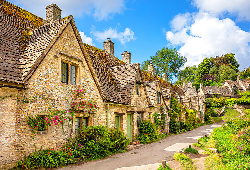 Bibury village Bibury The Cotswolds Bibury Weavers Cottages Arlington row Bibury Wiltshire England UK GB Europe