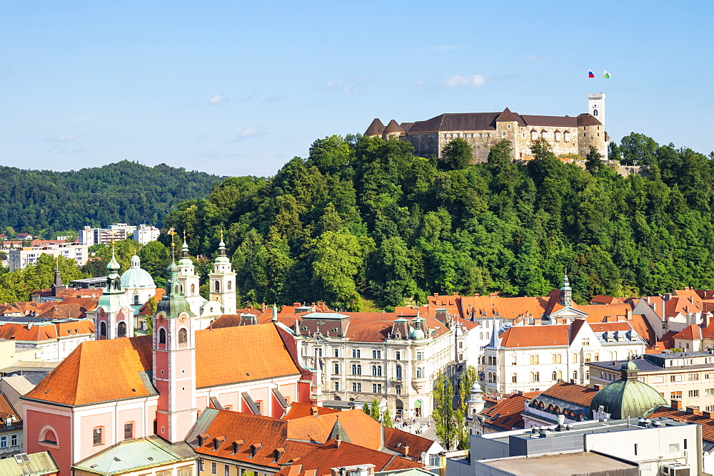 Ljubljana skyline with view of the city and Ljubljana Castle complex on Castle Hill, Ljubljana, Slovenia, Europe - 698-3474