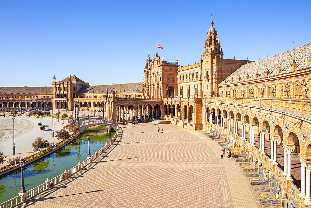 Plaza de Espana with canal and bridge, Maria Luisa Park, Seville, Andalusia, Spain, Europe - 698-3508