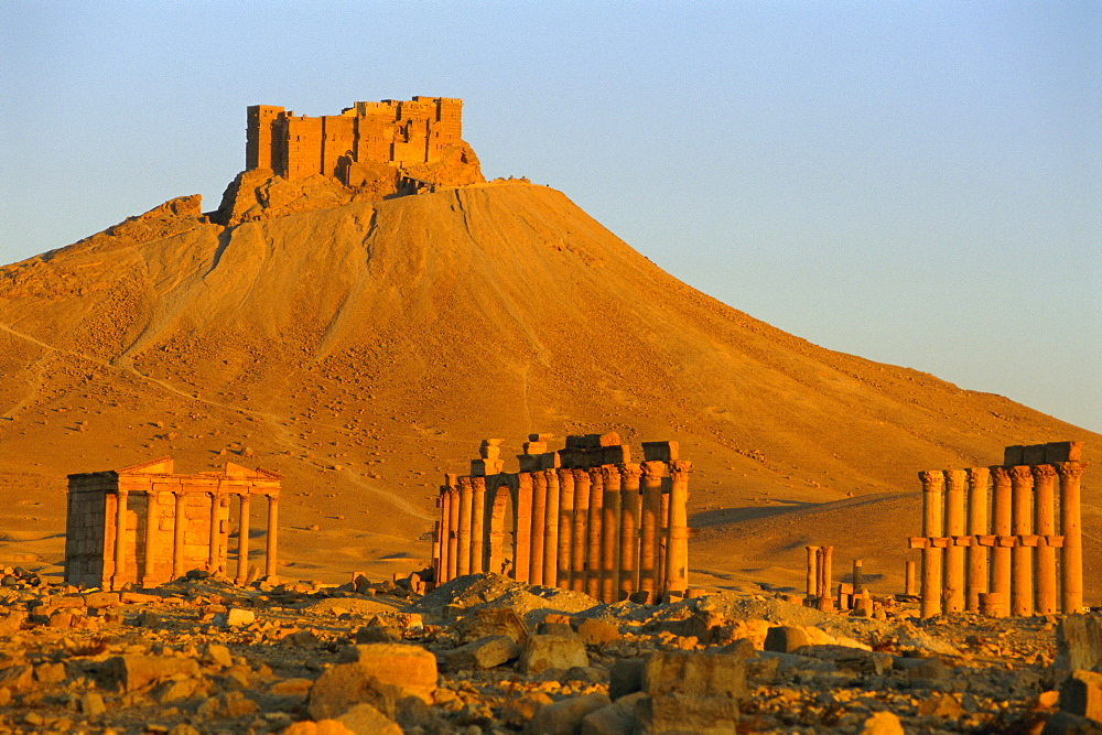 The archaeological site and Arab castle, Palmyra, UNESCO World Heritage Site, Syria, Middle East