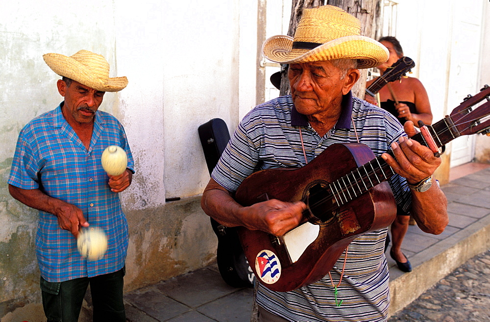 Guitar player, street musicians, UNESCO World Heritage site, Trinidad, Region of Sancti Spiritus, Cuba, Central America