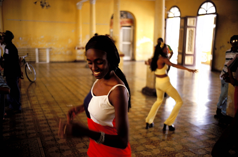 Calle Heredia, young women, School of Rumba dance, Santiago de Cuba, Cuba, Central America