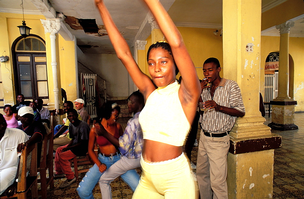 Calle Heredia, young woman, School of Rumba dance, Santiago de Cuba, Cuba, Central America