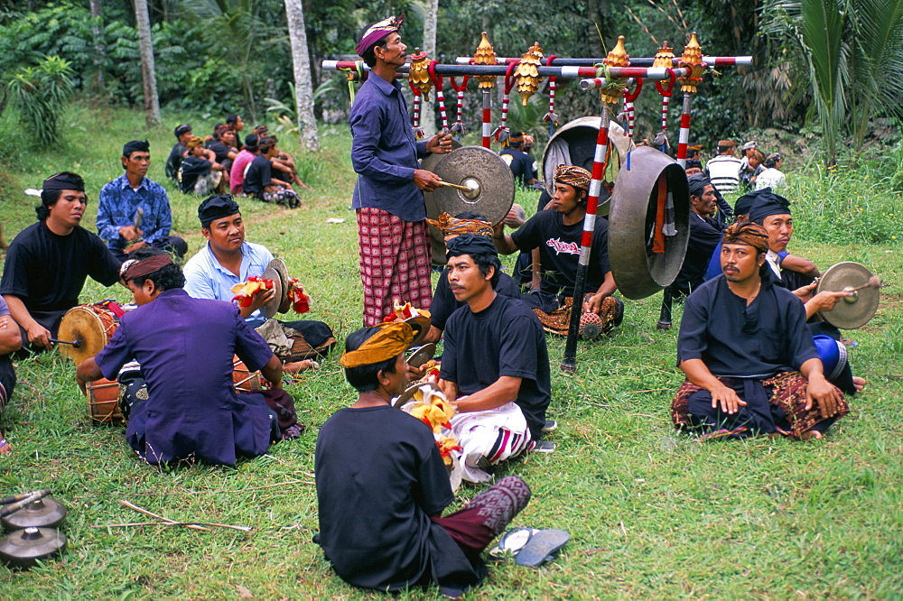 Funeral ceremony, island of Bali, Indonesia, Southeast Asia, Asia