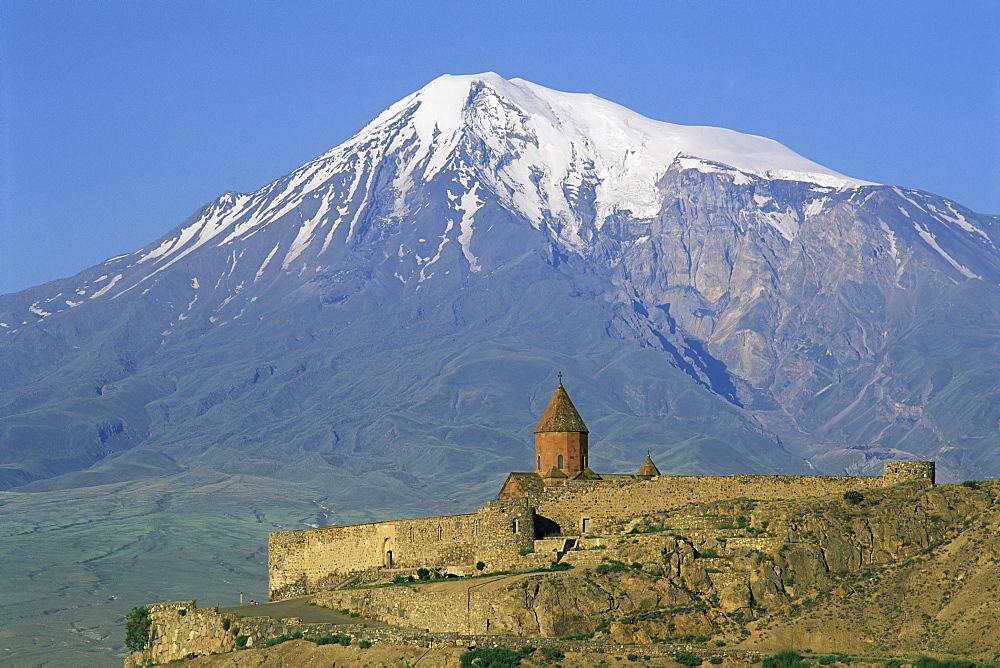 Khorvirap (Khor Virap) monastery and Mount Ararat, Armenia, Central Asia, Asia - 712-2208