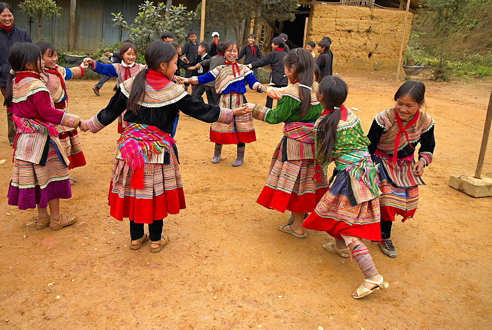 Flower Hmong children at Primary school at Bac Ha, Vietnam, Indochina, Southeast Asia, Asia