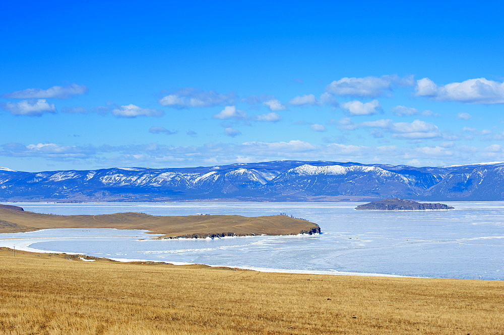 Maloe More (Little Sea), frozen lake during winter, Olkhon island, Lake Baikal, UNESCO World Heritage Site, Irkutsk Oblast, Siberia, Russia, Eurasia  - 712-2626