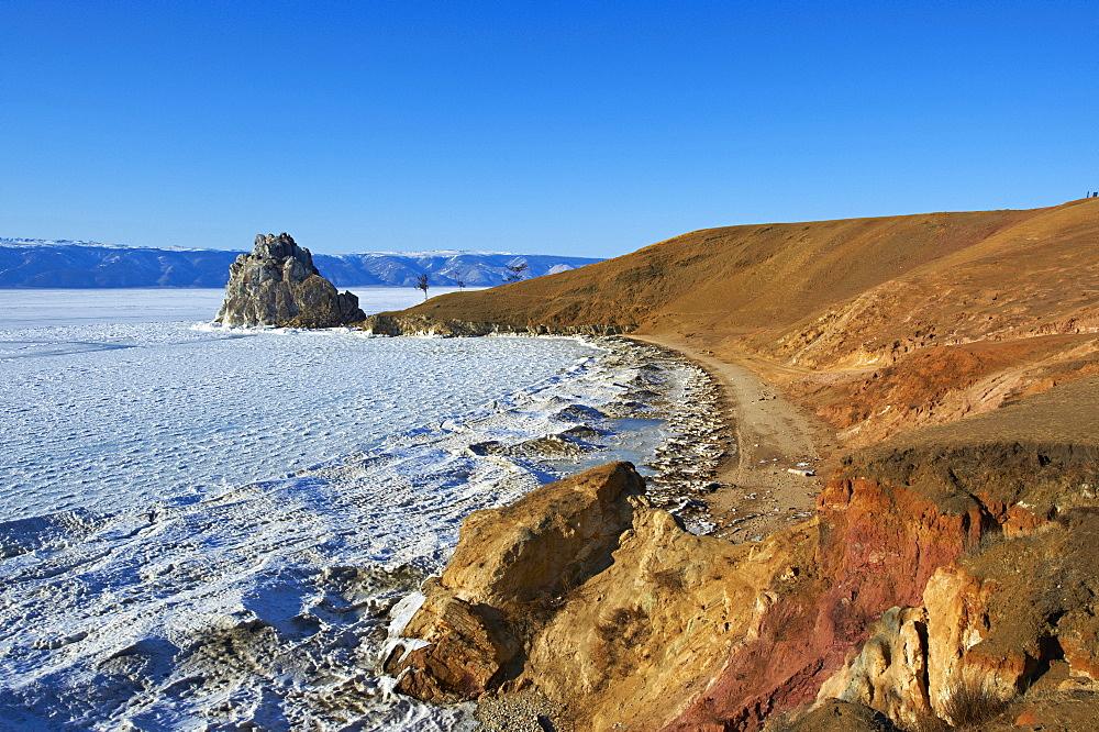 Shaman rock, Maloe More (Little Sea), frozen lake during winter, Olkhon island, Lake Baikal, UNESCO World Heritage Site, Irkutsk Oblast, Siberia, Russia, Eurasia  - 712-2667