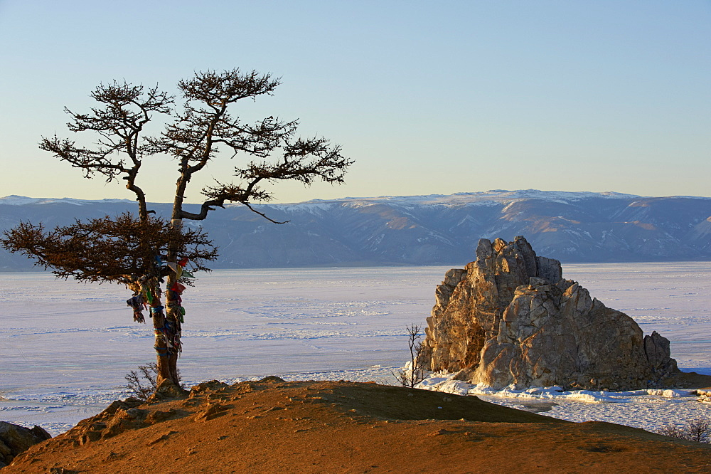 Shaman rock, Maloe More (Little Sea), frozen lake during winter, Olkhon island, Lake Baikal, UNESCO World Heritage Site, Irkutsk Oblast, Siberia, Russia, Eurasia  - 712-2670