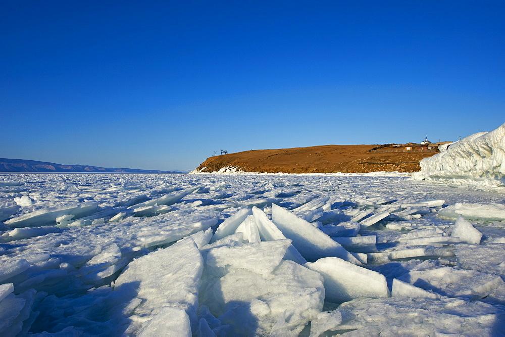 Maloe More (Little Sea), frozen lake during winter, Olkhon island, Lake Baikal, UNESCO World Heritage Site, Irkutsk Oblast, Siberia, Russia, Eurasia  - 712-2671