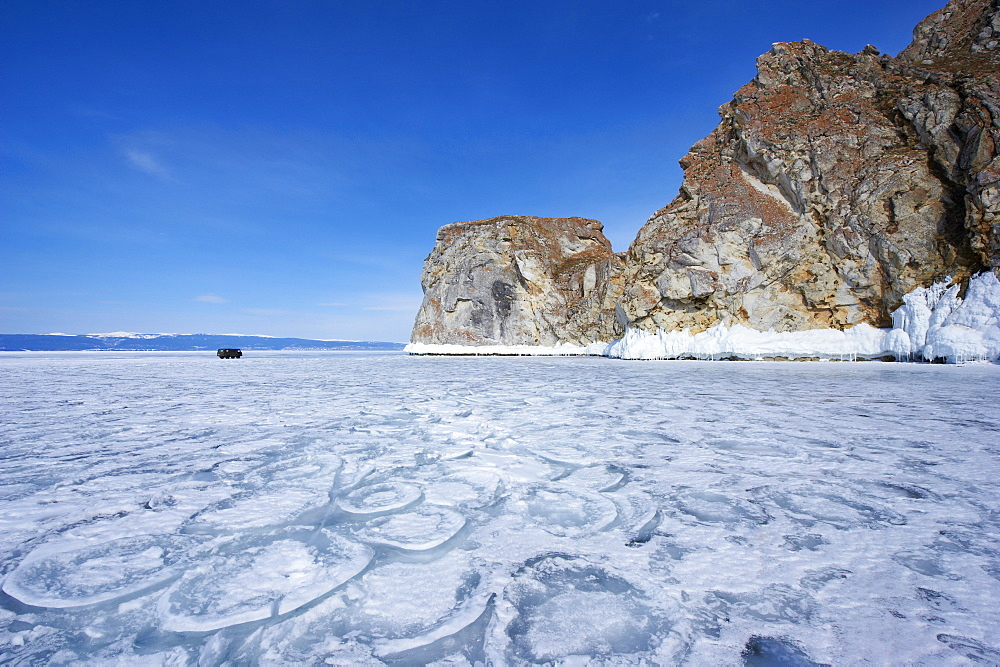 Maloe More (Little Sea), frozen lake during winter, Olkhon island, Lake Baikal, UNESCO World Heritage Site, Irkutsk Oblast, Siberia, Russia, Eurasia  - 712-2683
