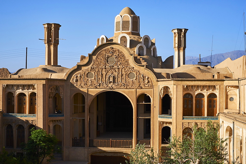 Le Khan-e-Borujerdi, house of a rich merchant with windtowers, Kashan City, Isfahan Province, Iran, Middle East