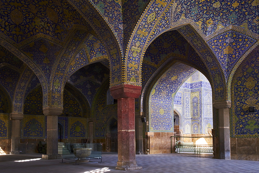 Iran, Isfahan, Imam Square, Jameh Mosque or Friday mosque, world heritage of the UNESCO