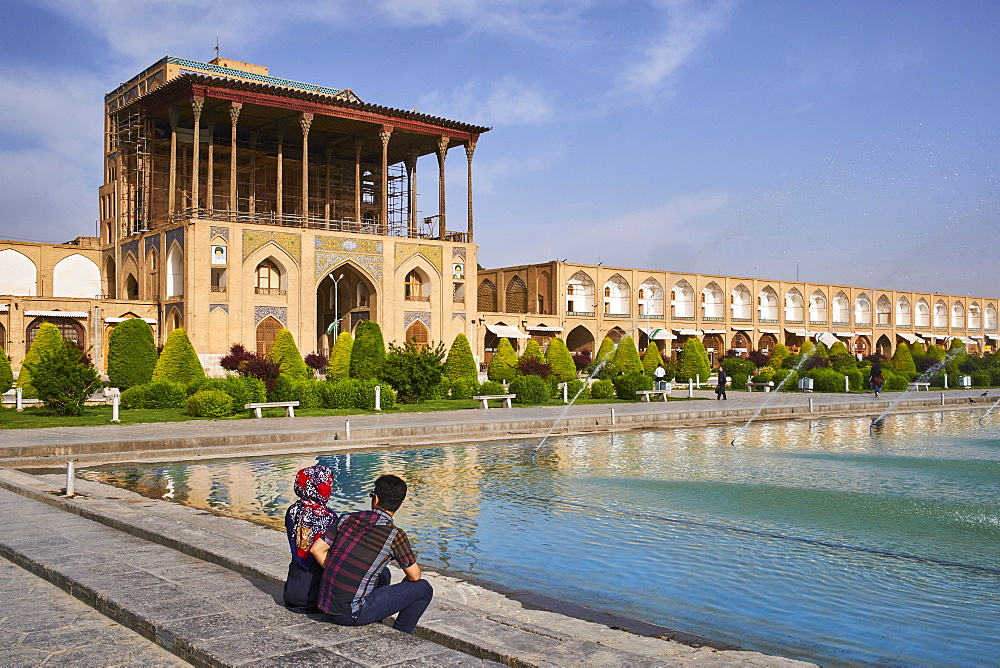 Ali Qapu Palace, UNESCO World Heritage Site, Imam Square, Isfahan, Iran, Middle East