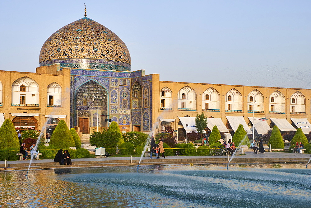 Iran, Isfahan, Imam Square, Sheikh Lotfollah mosque, world heritage of the UNESCO