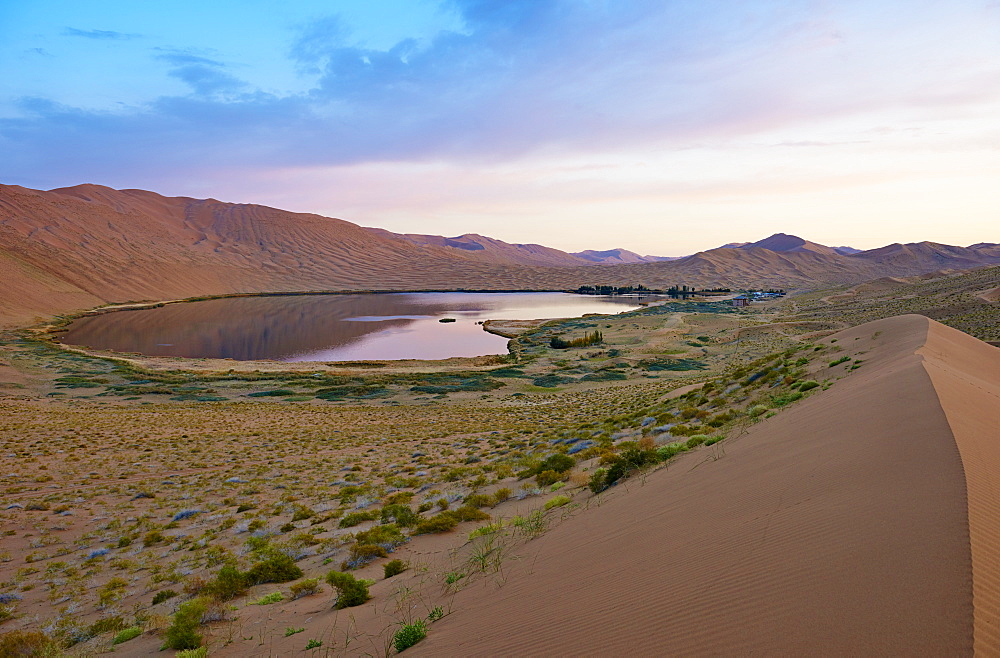 China, Inner Mongolia, Badain Jaran desert, Gobi desert - 712-2949