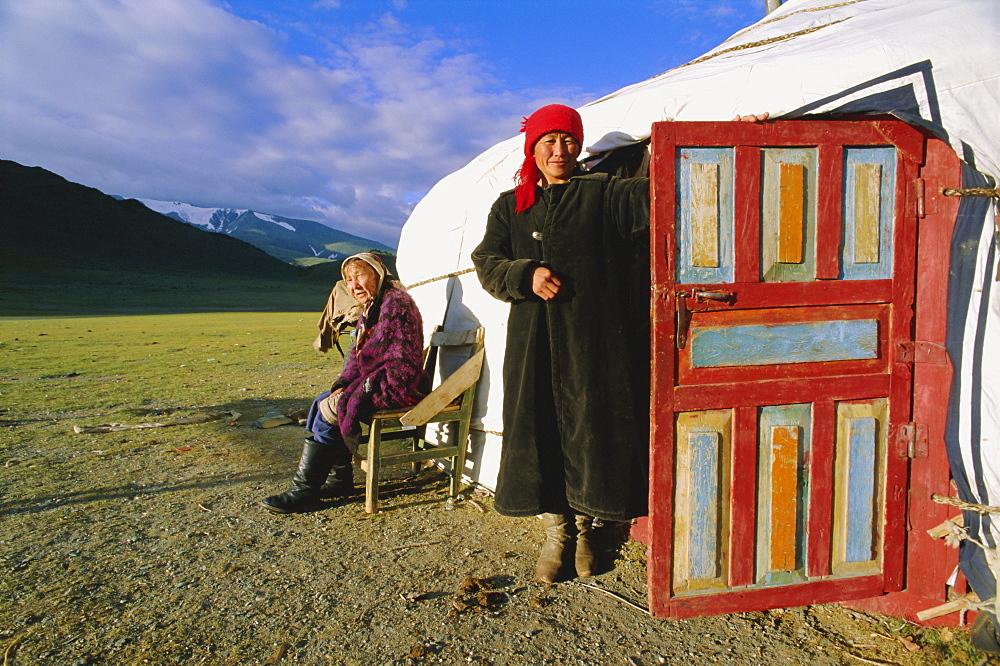 Kazakh encampment, Khovd Gol Valley, Bayan-olgii, Mongolia