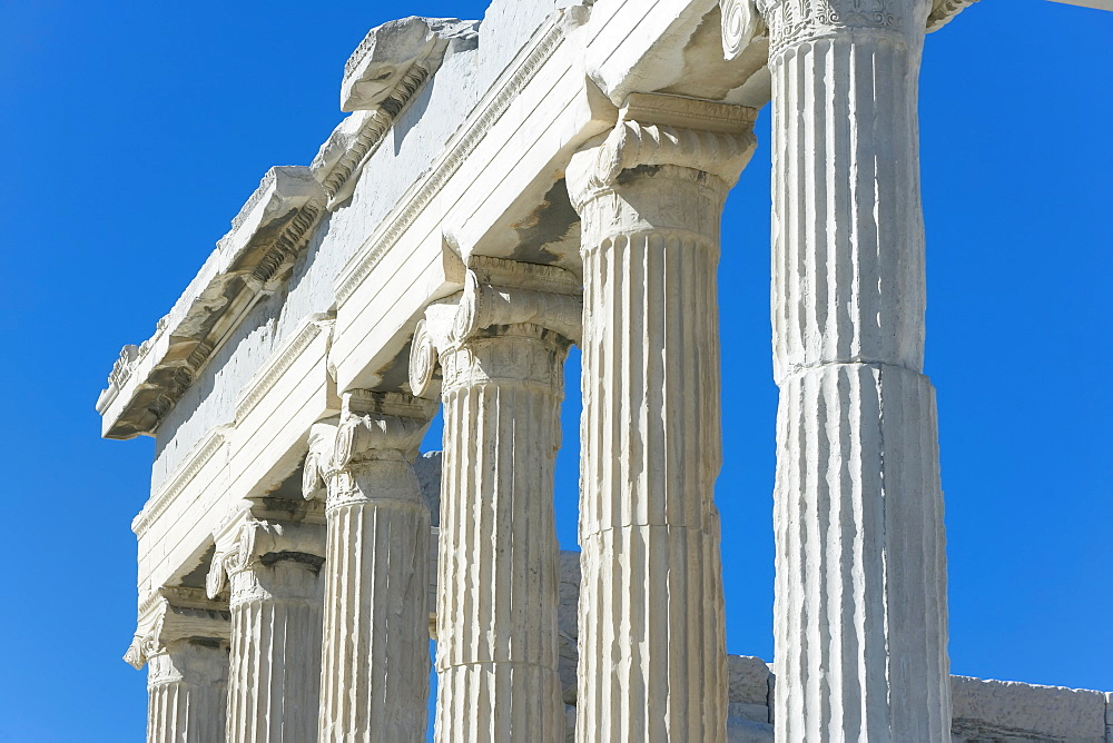 Close-up of columns of the Parthenon, Acropolis, UNESCO World Heritage Site, Athens, Greece, Europe