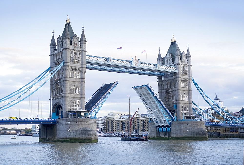 Tower Bridge opening and River Thames, London, England, United Kingdom, Europe