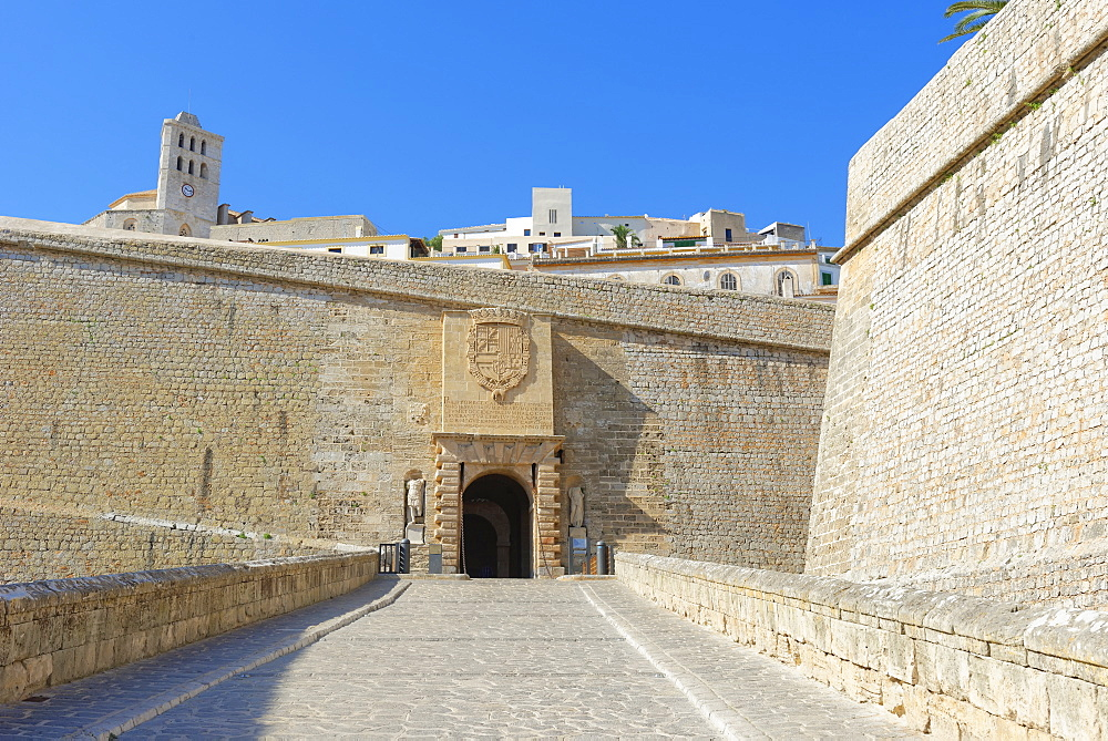 Fortified Ibiza Old Town (Dalt Vila), UNESCO World Heritage Site, Ibiza, Balearic Islands, Spain, Europe