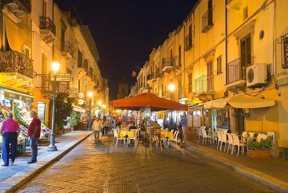 Lipari Town, Lipari Island, Aeolian Islands, UNESCO World Heritage Site, Sicily, Italy, Mediterranean, Europe - 718-2175