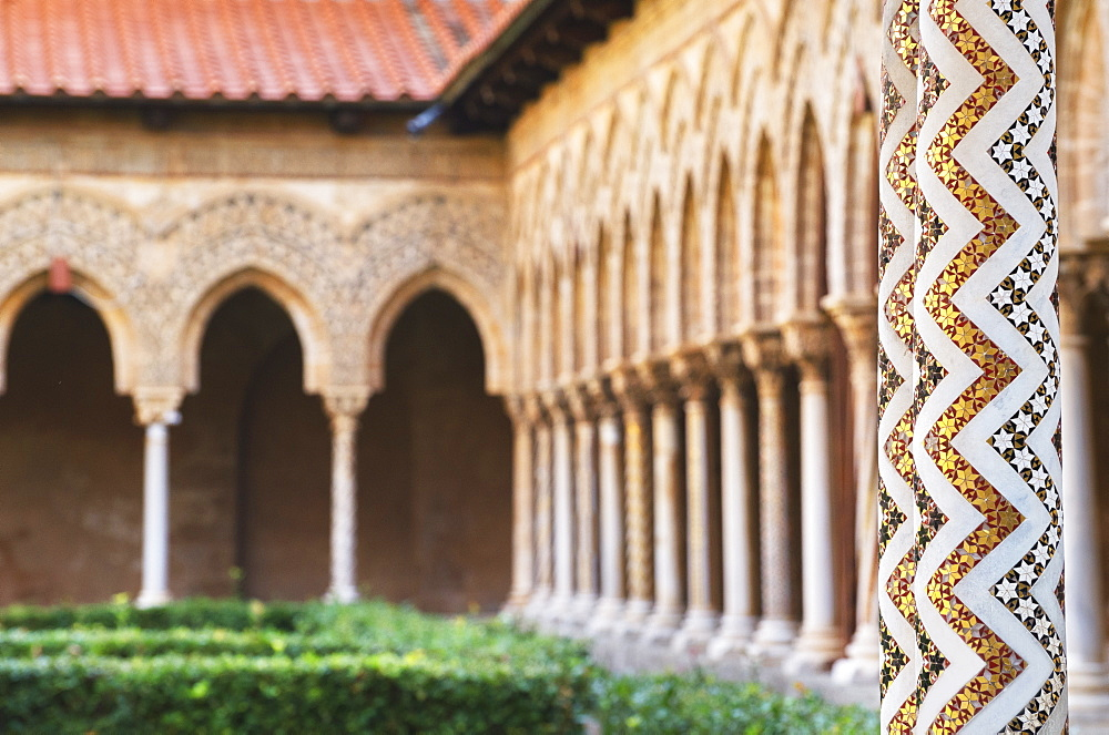 Cloister, Cathedral of Monreale, Monreale, Palermo, Sicily, Italy, Europe - 718-2183