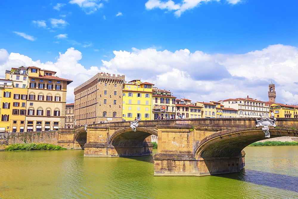 Santa Trinita Bridge spanning the River Arno, Florence, Tuscany, Italy, Europe