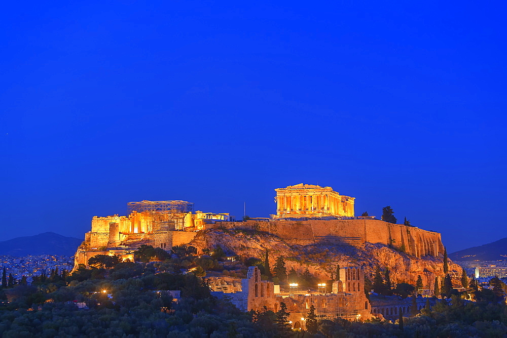The Acropolis illuminated by floodlight, UNESCO World Heritage Site, Athens, Greece, Europe