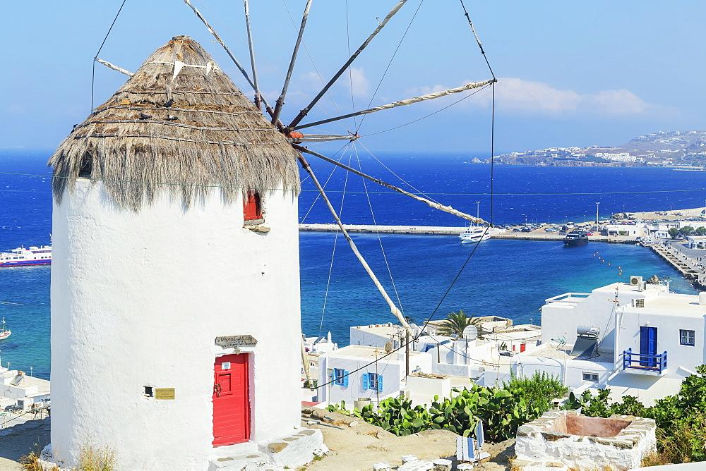 Boni's Windmill overlooking Mykonos Town, Mykonos, Cyclades Islands, Greek Islands, Greece, Europe
