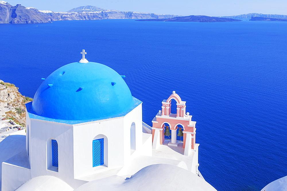 Oia village, elevated view, Oia, Santorini, Cyclades Islands, Greek Islands, Greece, Europe
