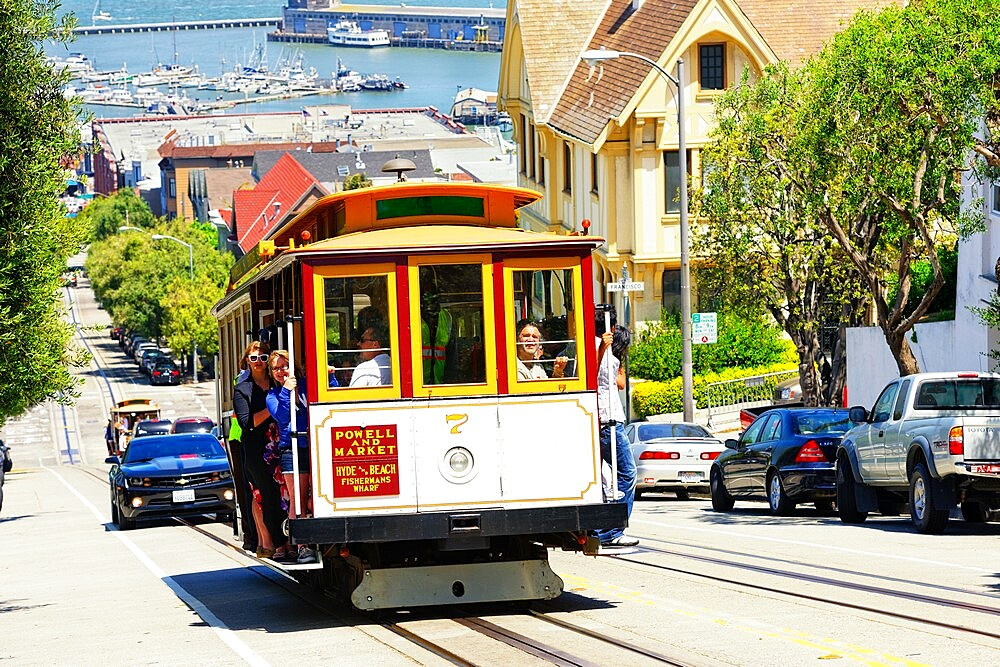 Powell-Hyde line cable car, San Francisco, California, United States of America, North America - 718-2563