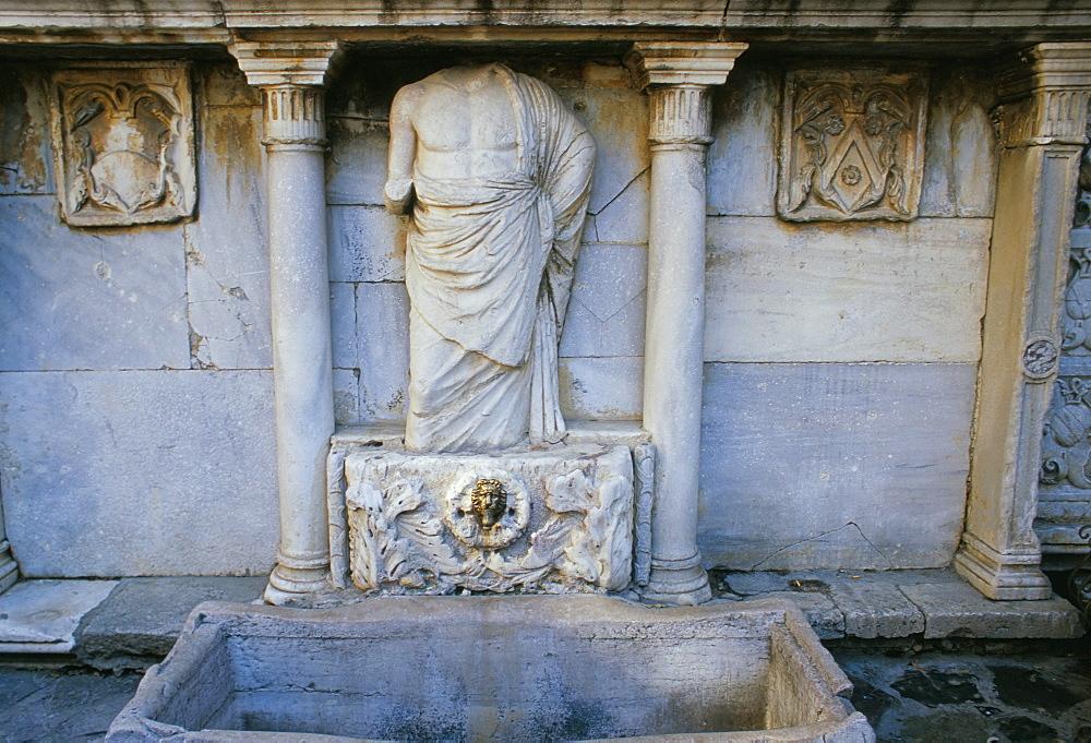 Bembo fountain, Iraklion (Heraklion), island of Crete, Greece, Mediterranean, Europe