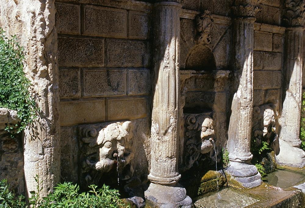 Rimondi fountain with spouting lion heads, Venetian heritage, Rethymno (Rethymnon), island of Crete, Greece, Mediterranean, Europe