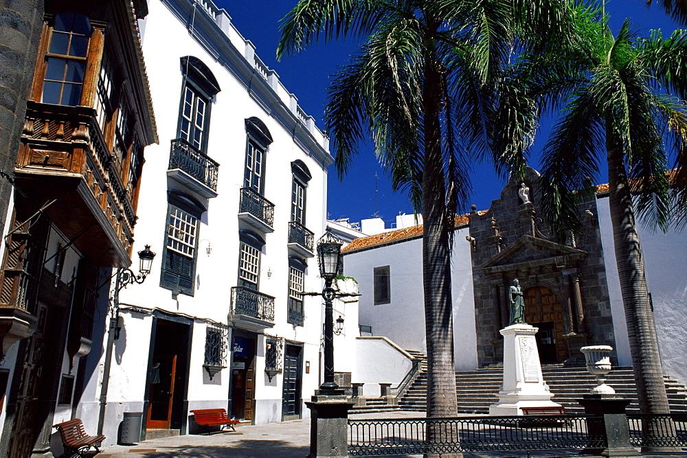 San Salvador church and typical old buildings, Santa Cruz de la Palma, La Palma, Canary Islands, Spain, Europe