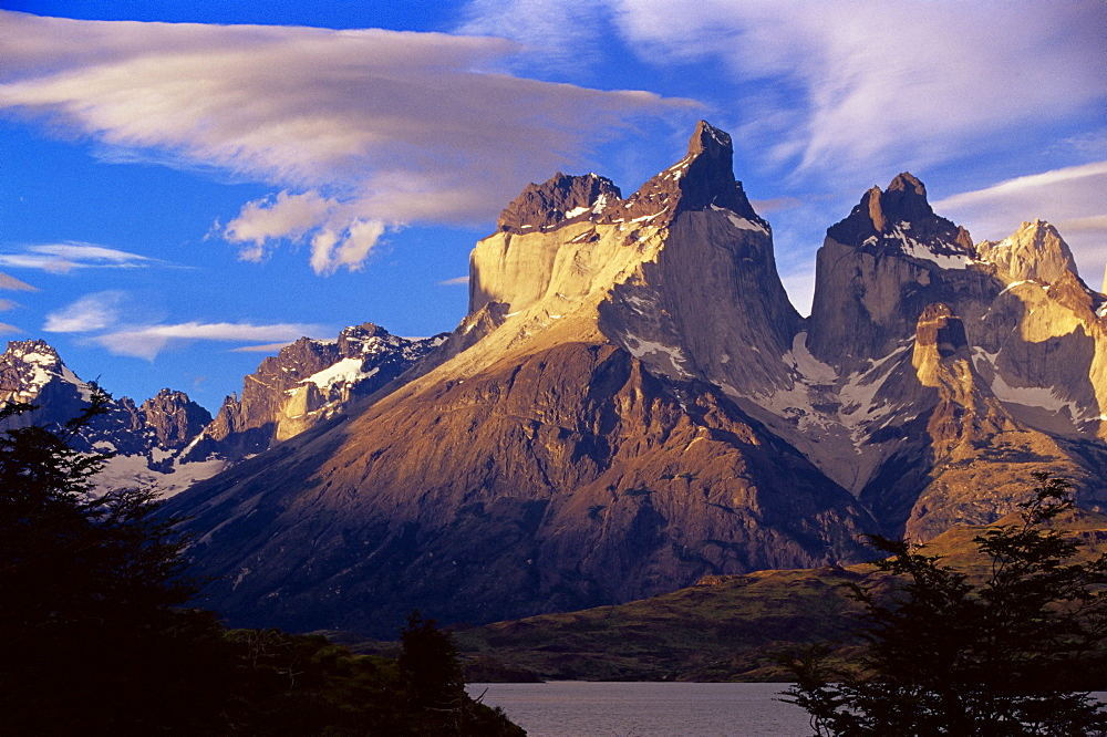 Cuernos del Paine (Horns of Paine), Torres del Paine National Park, Patagonia, Chile, South America